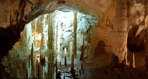 Le Grotte di Stiffe e le Grotte di Frasassi